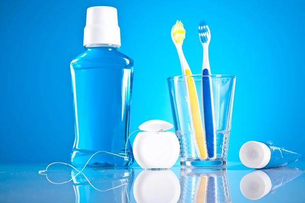 دهانشویهها و خمیردندانها درمانی جهت بوی بد دهان